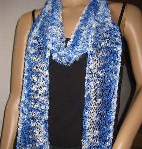 Schmuckschal, Schal aus tollem Effektgarn, vielseitig zu stylen - Handarbeit kaufen