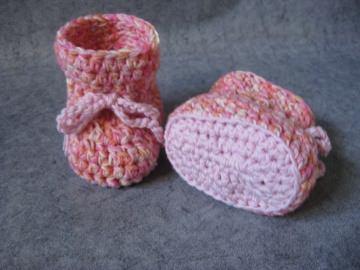 Babyschuhe Gr. 0, Babysocken aus exrafeiner Merino-Wolle - Handarbeit kaufen