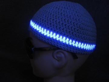Männermütze extrakurz (ohrfrei) mit UV-aktivem Leuchtstreifen, Mütze aus Baumwolle mit Elasthan