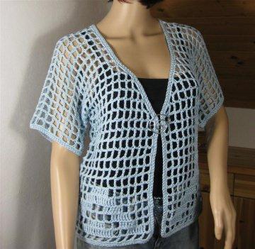 Häkeljacke mit hübschem Muster, aus leicht glänzendem Garn, Sommerjacke, Bolero - Handarbeit kaufen
