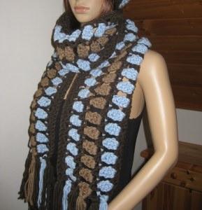 Langer Schal, gehäkelt, mit auffälligem Muster, Stola