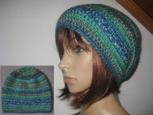 Mütze, gehäkelt aus weicher Wolle mit schönem Farbverlauf, Beanie, Häkelmütze