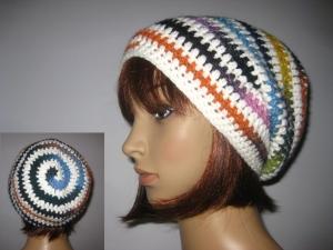 Mütze im Spiral-Design mit Farbverlauf, Beanie im Boshi Style, Häkelmütze