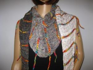 Schaltuch mit Fransen und tollem Farbverlauf, aus weicher Baumwolle gehäkelt, Stola, Schal