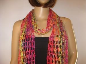 Schal mit hübschem Muster in leuchtenden Farben, Sommerschal, Schmuckschal, Stola - Handarbeit kaufen