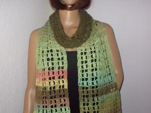 Schmuckschal, Schal mit auffälligem Farbverlauf, auf verschiedene Arten tragbar