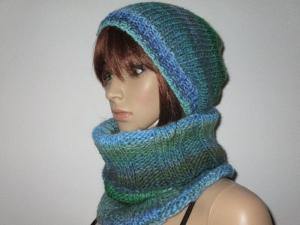 Set: Schlauchschal und Mütze, gestrickt aus weicher Wolle mit tollem Farbverlauf - Handarbeit kaufen