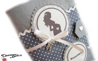 Mutterpasshülle Mama Silhouette Mutterpass Hülle grau Punkte Handmade Handarbeit - Handarbeit kaufen