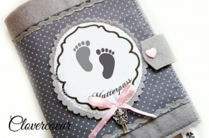 Mutterpass Hülle Babyfüße Mutterpasshülle grau Punkte Mama Mukipass  - Handarbeit kaufen