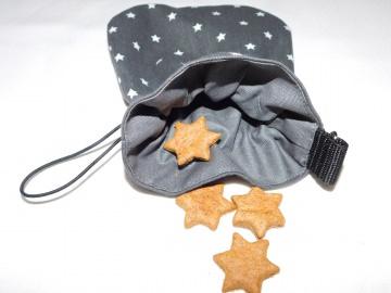 Leckerlibeutel  ♥  Sterne  ♥  anthrazit, innen beschichtete Baumwolle, mit Gummikordel verschließbar