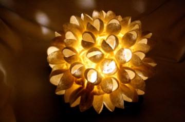 handgefilzte Stimmungslampe, Tischlampe mit Muscheln