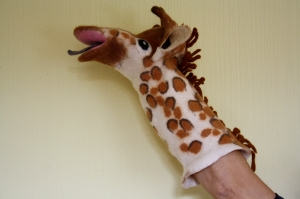 handgefilzte Handpuppe Giraffe, Puppentheater, Künstlerpuppe