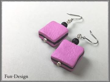 Ohrringe mit pinken Haribo-Konfekten aus Fimo - die Konfekte habe ich einzeln modelliert
