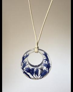 Lange Kette, mit Kornblumenanhänger,blau