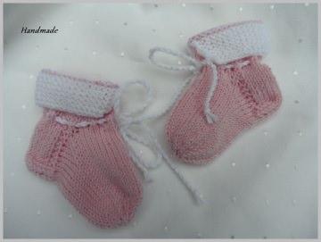 Erste Strümpfe, Gr. 0-3 Mon., handgestrickt aus Wolle Merino rosa - Handarbeit kaufen