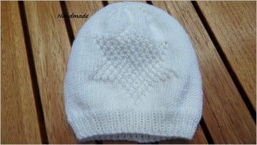 Babymütze, handgestrickt, weiß, aus 100 % Wolle (Merino)  - Handarbeit kaufen