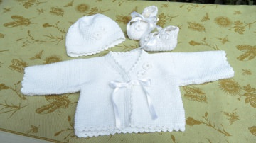 Baby-Set, Taufset für die festliche Taufe,  weiß, 3-teilig: Jacke,  Mütze und Schuhe,  super für die Taufe aus  Baumwolle handgestrickt kaufen - 1319