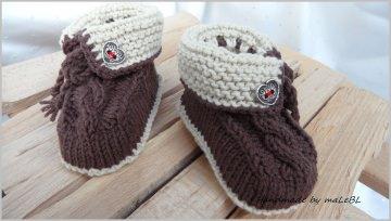 Babyschuhe im Trachtenstil, Gr.3-6 Mon. handgestrickt, Baumwolle  - Handarbeit kaufen