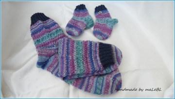 Mama und Baby - Socken, handgestrickte Socken für Mutter und Kind aus Qualitätssockenwolle. Auch super als Geschenk zur Geburt Babyparty Taufe - 1361