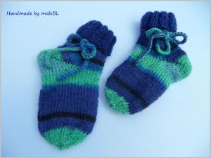 Babysocken, handgestrickt, zum Binden 3-6 Mon. - Handarbeit kaufen