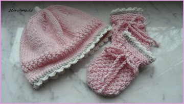 Neugeborenenset, Babymütze und Babyhandschuhe für kleine Mädchen - Handarbeit kaufen