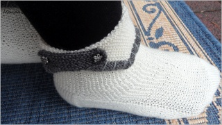Wollsocken handgestrickt  im Trachtenlook. Größe: 38/39 - Handarbeit kaufen