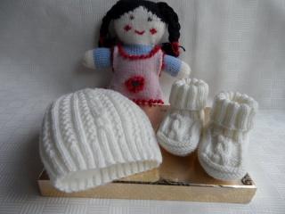 Tauf-Set Größe 1-3 Mon. Taufmütze und Taufschuhe handgestrickt - Handarbeit kaufen