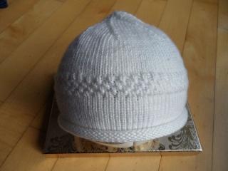 Babymütze, Taufmütze mit Rollrand, handgestrickt in weiß - Handarbeit kaufen