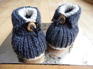 Gestrickte Babyschuhe, Wollschuhe aus Wolle (Merino) extra warm - Handarbeit kaufen