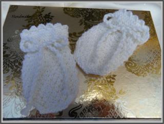 Babyhandschuhe, Taufhandschuhe aus Wolle (Merino), handgestrickt - Handarbeit kaufen