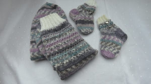 Mama und Baby-Socken, handgestrickte Wollsocken für Mutter und Kind - Handarbeit kaufen