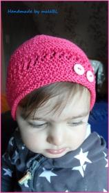 Gestrickte Mütze für kleine Mädchen, Baumwolle, Farbe: Himbeer  - Handarbeit kaufen
