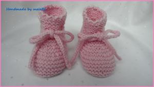 Babyschuhe in Rosa, handgestrickt aus Wolle (Merino) - Handarbeit kaufen