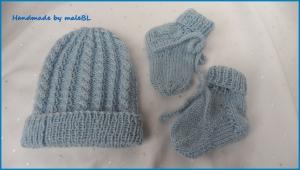 Frühchenmütze, Frühchensocken als Set, für Jungen in blau - Handarbeit kaufen