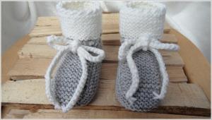 Babyschuhe, Wollschuhe handgestrickt aus Wolle Merino in grau - Handarbeit kaufen