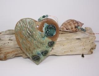 Mobile Keramikherz mit Muschel