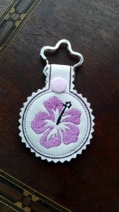 Schlüsselanhänger,  Taschenbaumler, Kunstleder,  Hibiskus, Blume