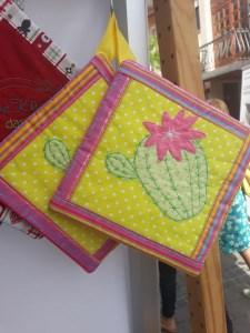 1 Paar ( 2 Stück) Topflappen doppellagig, bestickt mit Kaktus