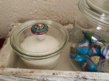 Weckglas ,  Bonboniere , 3 Stück auf Holztablett