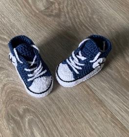 Babyturnschuhe - gehäkelte Babyturnschuhe in jeansblau mit schwarz (18)