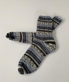 Handgestrickte Herrensocken in grau schwarz gemustert 42/43 (165) - Handarbeit kaufen