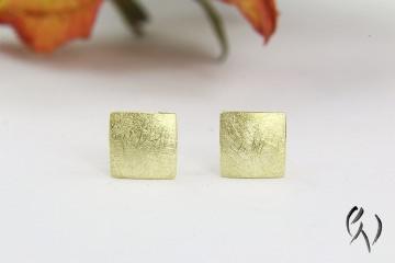 Kleine Ohrstecker aus Gold 585, Miniquadrat mattgekratzt - Handarbeit kaufen