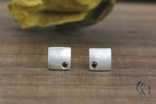 Ohrstecker Silber 925/- mit schwarzem Zirkonia, Miniquadrat strichmatt - Handarbeit kaufen