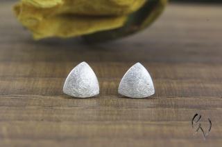 Ohrstecker Silber 925/-, Minidreieck mattgekratzt, handgemacht  - Handarbeit kaufen