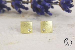 Kleine Ohrstecker Gold 585/- mit Brillant, Miniquadrat mattgekratzt - Handarbeit kaufen