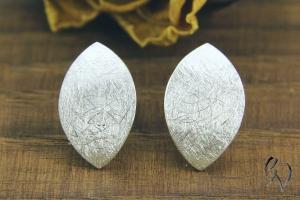 Ohrstecker Silber 925/-, Navette 12 mm, mattgekratzt - Handarbeit kaufen