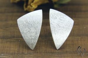 Ohrstecker Silber 925/- , Dreieck 14 mm, mattgekratzt - Handarbeit kaufen