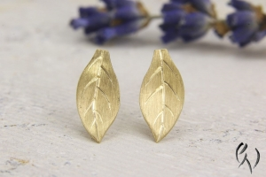 Ohrstecker Gold 750/-, kleines Herbstblatt, 10,5 mm - Handarbeit kaufen