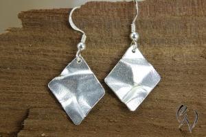 Ohrhänger Silber 925/-, geknitterte Raute - Handarbeit kaufen