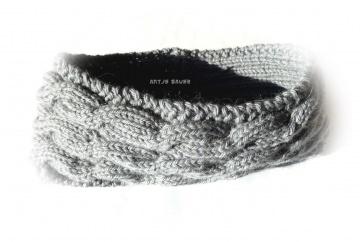 Stirnband ★ grau  ★ mit Zopfmuster ★ gestricktes Stirnband ★ Wollstirnband ★ Die kleine Bastelwerkstatt